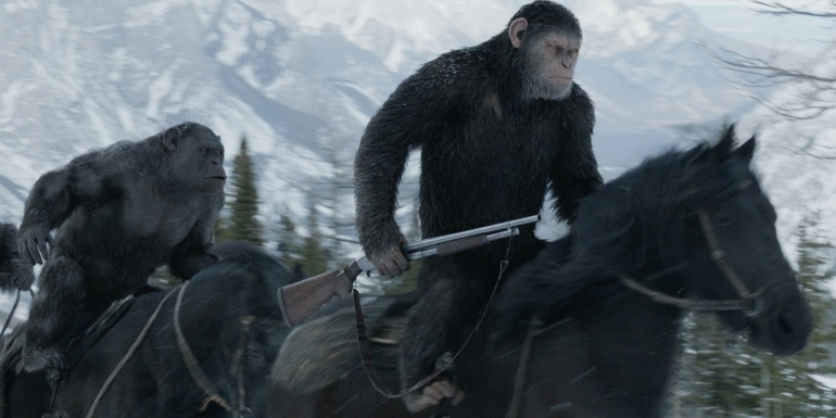 War-for-the-Planet-of-the-Apes-Caesar-and-Rocket-on-horses.jpg